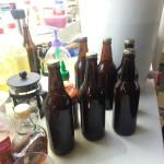 הבקבוקים הסגורים (42 במספר) יוצאים לכיוון המזווה להתססה אחרונה